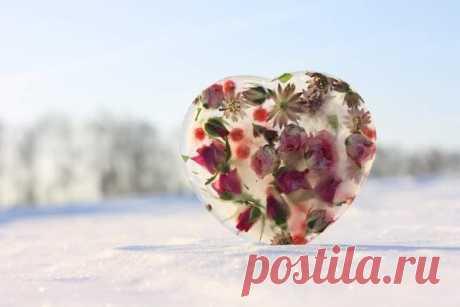 Пусть вас счастье окружает и любовь сопровождает!)