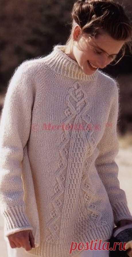 Расклешенный пуловер спицами