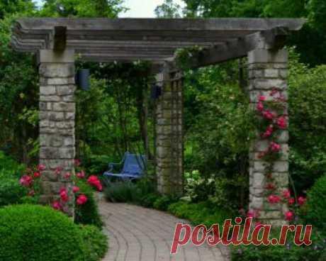 Сохраняя традиции: Классические арки для садового участка в современном исполнении