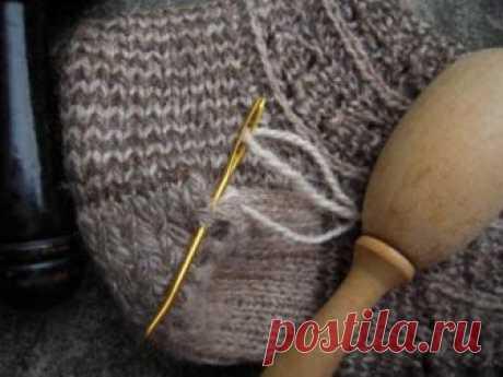 """Как заштопать шерстяные носки 👍 Шерстяные носки - это удобная, теплая и натуральная """"одежда"""" для ног, которая хранит тепло рук, создавших их."""