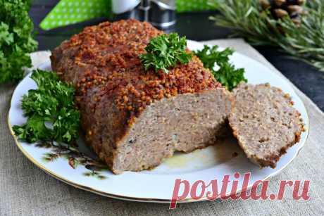 Мясной хлеб в духовке Мясной хлеб или хлебец на самом деле - это колбасное изделие, которое можно встретить в магазинах, представляющее собой вид буханки хлеба. В домашних условиях можно приготовить вкуснейший мясной хлеб, который конечно будет отличаться от магазинного, но вкус у него - потрясающий. Хлебец можно запечь, как в форме, так и без нее. Готовится эта закуска из двух видов фарша, употреблять ее можно и в теплом, и в охлажденном виде. Хлебец получается не только ...
