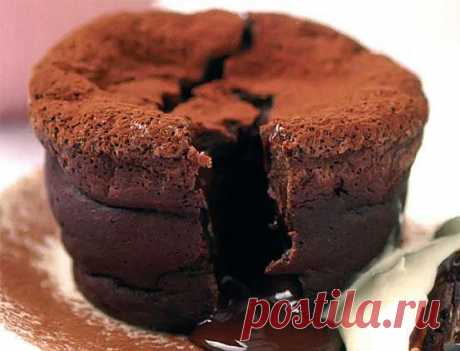 Chocolate cakes in molds. Chocolate cake recipe   Laboratory of a household