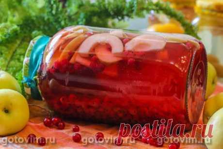 Компот из красной смородины с яблоком на зиму. Рецепт с фото У компотов из красной смородины яркий, запоминающийся вкус. Но это не значит, что при желании мы не можем придумать новый рецепт, разбавив красную смородину, например, яблоком. Главное, верно подобрать пропорции яблок и смородины, чтобы получился не менее вкусный компот на зиму.
