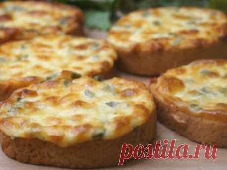 Обалденный завтрак «Пятиминутка». Пальчики оближешь как вкусно! Сырные гренки на завтрак. Получаются очень вкусными, соблазнительно аппетитные, очень простые и быстрые в приготовлении. И на завтрак можно их съесть, и неожиданным гостям подать. ИНГРЕДИЕНТЫ: Батон –...