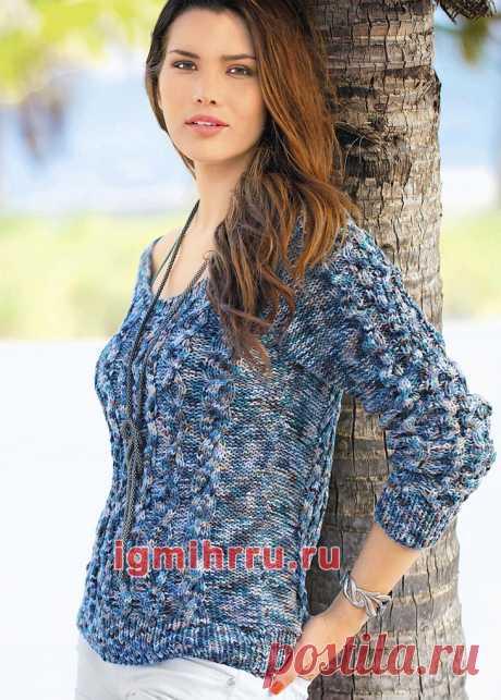 Пестрый летний пуловер с «косами». Вязание спицами со схемами и описанием