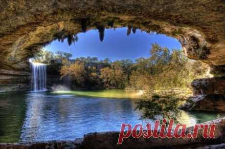 Красивейшее озеро Hamilton Pool       В 37 км к западу от Остина (Техас, США) расположено одно из самых необычных и живописных озер в мире - Гамильтон Пул (Hamilton Pool). Необычность его состоит в том, что оно является одновременно…