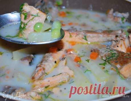 Рыбный суп «Лохикейтто». Ингредиенты: рыба красная, вода, лук белый