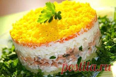 Салат мимоза классический рецепт с фото пошагово как приготовить Готовим салат мимоза классический рецепт с сайрой. Из рецептов слоёных салатов, этот отличается простотой приготовления. Так же простота приготовления заключается в том, что салат Мимоза готовится с использованием обычной рыбной консервы. Смотрим, как приготовить салат Мимоза классический рецепт с сайрой…