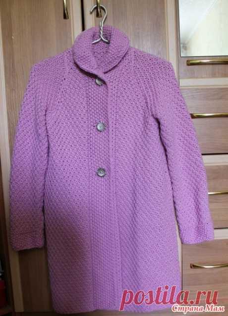 Розовое пальто, вязанное спицами. - Вязание - Страна Мам