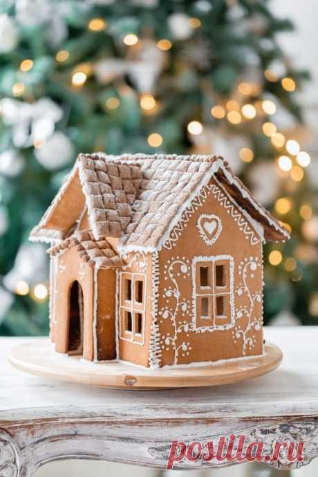 Новогодний пряничный домик.