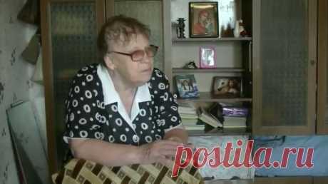 Валентине Константиновне почти 70, но работает она не потому, что не может без работы, а просто её пенсия менее 7 тыс. Прожить на эти деньги невозможно, поэтому инвалид 3-й группы подрабатывает сторожем в детском саду. Её стаж более 50 лет. Смотри