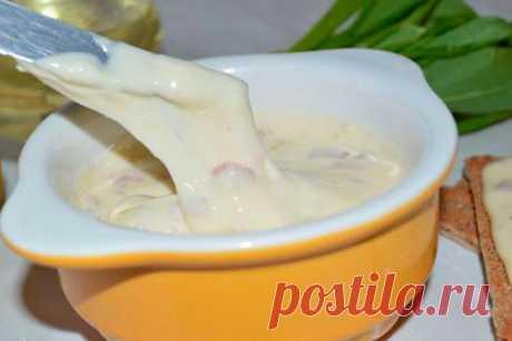 Вкуснейший домашний плавленый сыр,  Нужно 250 гр творога (лучше домашнего),  2 ст л сметаны (тоже домашней),…