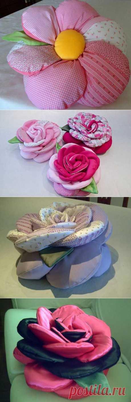 Декоративные подушки-цветы.