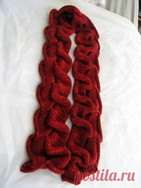 Этот шарф - одна из идей дизайнера Lynne Barr в двусторонней технике