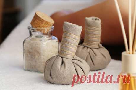 Как успокоить боль с помощью обычной соли? Соль может не только защитить от негатива, но и успокоить боль! Узнайте, как еще использовать средство, которое есть в каждом доме!