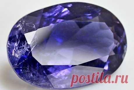 Камень иолит: свойства, кому подходит по знаку зодиака и имени, магия и значение, как выглядит на фото, цена, украшения из кордиерита и уход