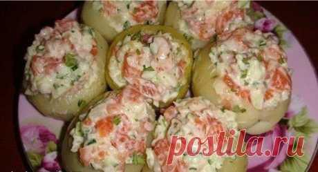 Картофель фаршированный форелью