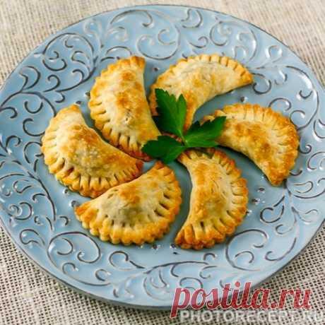 Уральские посикунчики – маленькие пирожки с фаршем Уральские посикунчики – маленькие пирожки с фаршем - пошаговый кулинарный рецепт приготовления с фото, шаг за шагом.