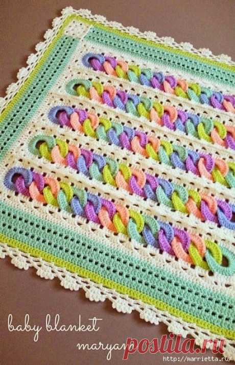 Детский плед крючком с узором из разноцветных колечек