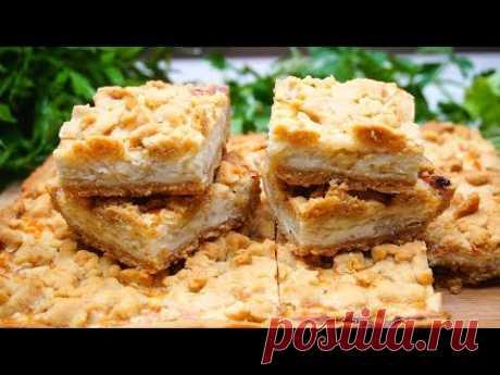 Необыкновенный закусочный пирог с луком и плавленым сыром