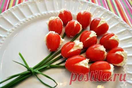 Тюльпаны из помидоров |