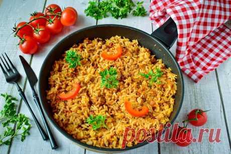 Рис с фаршем и томатной пастой на сковороде рецепт с фото пошагово - 1000.menu