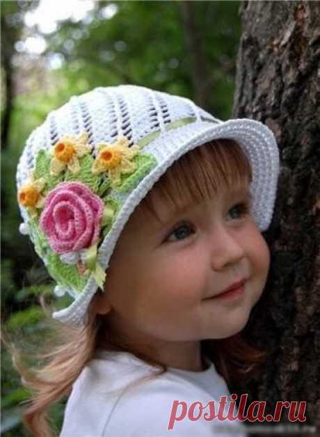 """Панамка """"Пчёлкино счастье""""  На весну-лето можно связать для маленьких модниц вот такие замечательные шляпки-панамки. Яркие и цветочные, они станут красивым дополнением к любому наряду малышки."""
