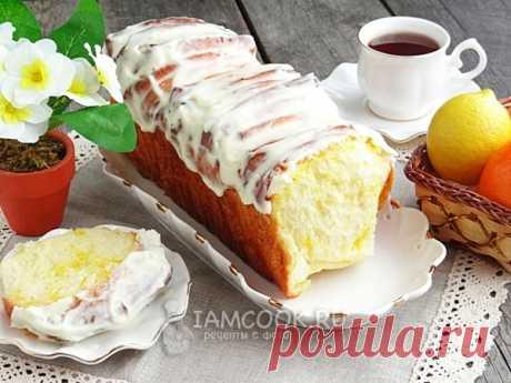 Лимонный дрожжевой пирог с кремом Лимонный дрожжевой пирог с кремом.  Ингредиенты Тесто: Молоко – 160 мл Дрожжи сухие быстродействующие – 2 ч. л. Яйцо – 2 шт. Мука пшеничная – 400 г Ванилин – 1 щепотка Масло сливочное – 60 г Соль – 1/…