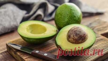 Аппетитно и мегаполезно: 5 блюд с авокадо на каждый день