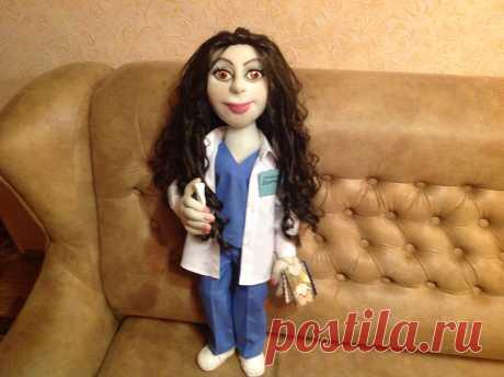 кукла стоматолог Карина с элементами портретного сходства