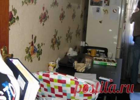Как мы перевоплотили нашу кухню Досталась мне такая кухня (вид на стену со столом)... Как мы перевоплотили нашу кухню