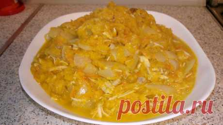#Тыквенное #рагу с #курицей. Многие не любят блюда из тыквы, и напрасно, ведь это очень полезный овощ. Просто ее надо уметь готовить. Вот рецептик. Ингредиенты: тыква 1,5 кг гудка куриная 1 шт морковь 1 шт лук 1 шт чеснок 2-3 зубчика приправа по-вкусу (я положила щепотку маринада, приправы для плова, перца черного) подсолнечное масло сливочное масло А готовить такое блюдо быстро и просто: На крупной терке натераете тыкву, предварительно очищенную и освобожденную от семян. ...