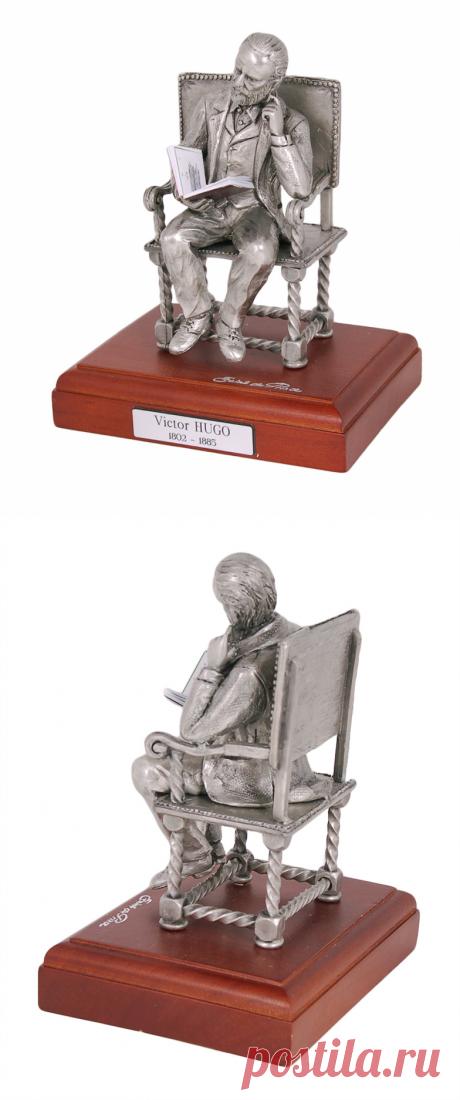 Купить оловянную статуэтку Виктор Гюго как дорогой подарок писателю | Интернет-магазин подарков Ларец