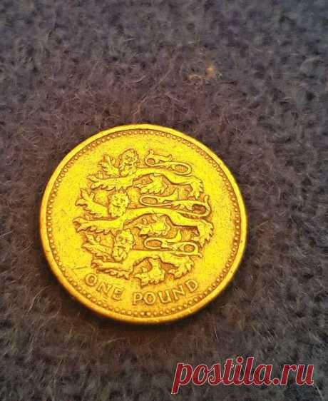 1997 ENGLAND THREE LIONS    -  £1 pound coin RARE COLLECTABLE     eBay 1997 ENGLAND THREE LIONS. This is part of a series of four coins.   eBay!