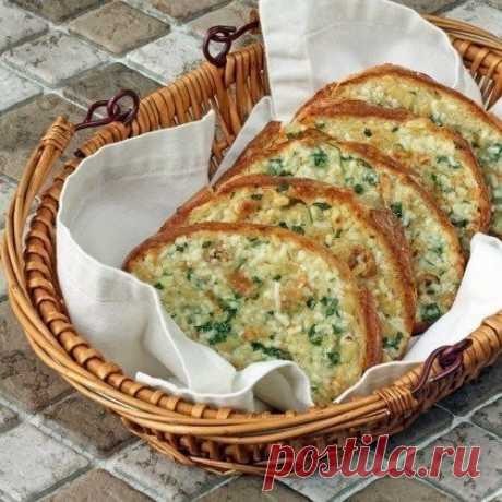 The baked bread with garlic
