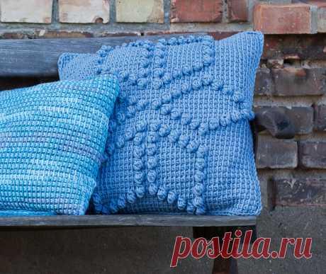 La almohada con la cinta de los postes pomposos - el esquema de la labor de punto por el gancho. Tejemos las Almohadas en Verena.ru