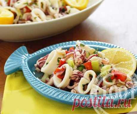 Как приготовить салат с кальмарами, красным сладким перцем и зеленью - Овощные салаты . 1001 ЕДА вкусные рецепты с фото!