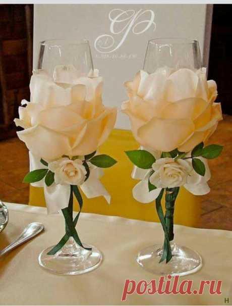 Подарила друзьям цветочные бокалы на свадьбу