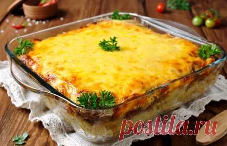 Шикарное горячее к ужину: запеканка по-французски Такая сытная запеканка из мяса и грибов, прекрасно подходит даже в качестве праздничного блюда. Для приготовления вам потребуются такие ингредиенты: — филе куриное, 400 г; — шампиньоны, 250 г; — лук, 1 шт; — сливки жирные, 250 мл; — картофель, 700 г; — сыр твердый, 200 г; — масло сливочное, 20 г; — молоко, 100 […]