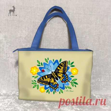 Голубая лилия: во всей красе и очаровании Итак, вот еще одна моя новая модель: женская сумка, поражающая пестротой и яркостью по-настоящему летних красок. Здесь нет весенней нежности, осенней золотистости или зимнего спокойствия.