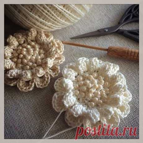 (58) Fleurs au crochet et perles | crochet