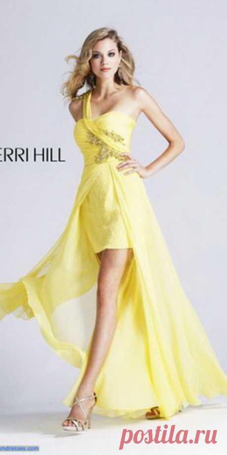 Випускні плаття: 100 кращих суконь на випускний бал