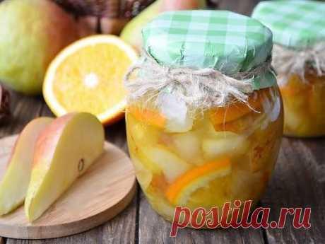 Варенье из груш с апельсином  Приготовьте это изумительное варенье. Оно не только вкусное, но и очень красивое. Приятного аппетита!  Ингредиенты 1 кг. груш 1 апельсин 0,5 кг. сахара Шаг 1 Подготовить спелые груши, апельсин и сахар. Также понадобится антипригарная кастрюля и деревянная лопатка.  Шаг 2 Все фрукты тщательно вымыть под проточной водой. Апельсин обдать кипятком, порезать все кусочками. Если в апельсине есть косточки, удалить их.  Шаг 3 Порезанные фрукты сложить...