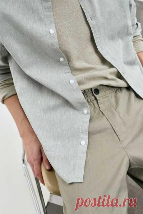 Мужская коллекция изо льна — беспроигрышный вариант для любой ситуации. Брюки, рубашки, футболки и шорты нейтральных цветов — что бы вы ни выбрали, ваш образ будет безупречен.  #HMMan #HM