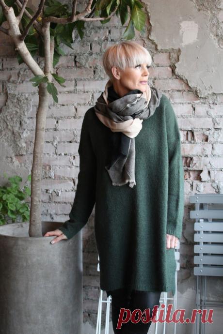 Какие платья модно носить этой зимой женщине 45-50 лет и как сочетать их с верхней одеждой | Glamiss | Яндекс Дзен