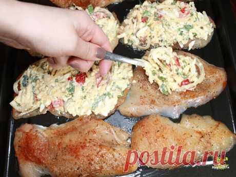Если хотите удивить гостей на праздник готовьте по этому рецепту. Куриное филе в духовке.