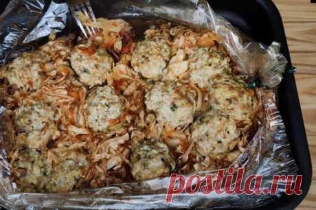 Готовлю вкуснейшую тушеную капусту в рукаве с мясными тефтелями: нравится всей семье