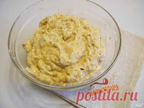 Постный пирог с тыквой   Для пирога подготовьте тыкву и орехи. Измельчите. Соедините все ингредиенты и испеките пирог в духовке. Остудите и подавайте к чаю!   Ингредиенты:  Тыква очищенная: 200 Грамм, Грецкие орехи очищенные: 1 Стакан, Рафинированное масло: 70 Миллилитров, Сахар: 150 Грамм, Мука пшеничная высшего сорта: 160 Грамм, Рыхлитель теста: 1 Чайная ложка, Корица молотая: 0,5 Чайных ложки   Приготовление:  Приготовьте продукты для пирога. Очистите тыкву от кожуры и ...