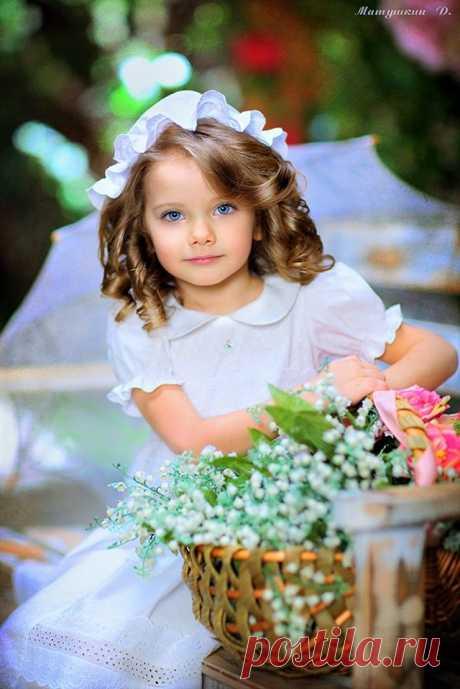 (12) Тhe beautiful world of Ludmila ( Красивият свят на Людмила )