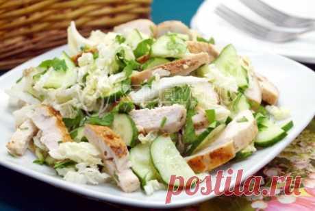 Салат из пекинской капусты с курицей «Пекин» Легкий и вкусный салат из пекинской капусты с курицей «Пекин» для вашего меню.